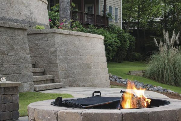 BEL2017 GMS RES Patio Firepit Wall Steps AnchorDiamonPro beauty001