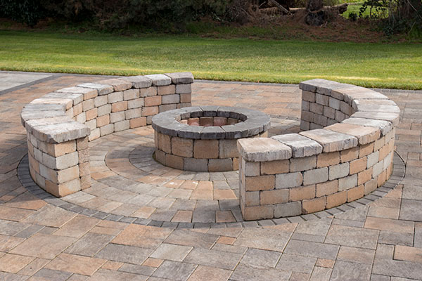 Small firepit Rotundo with benches 001