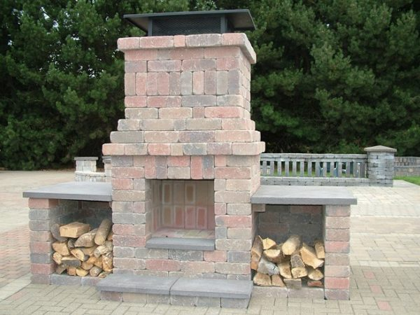 Outdoor fireplace in Tacoma